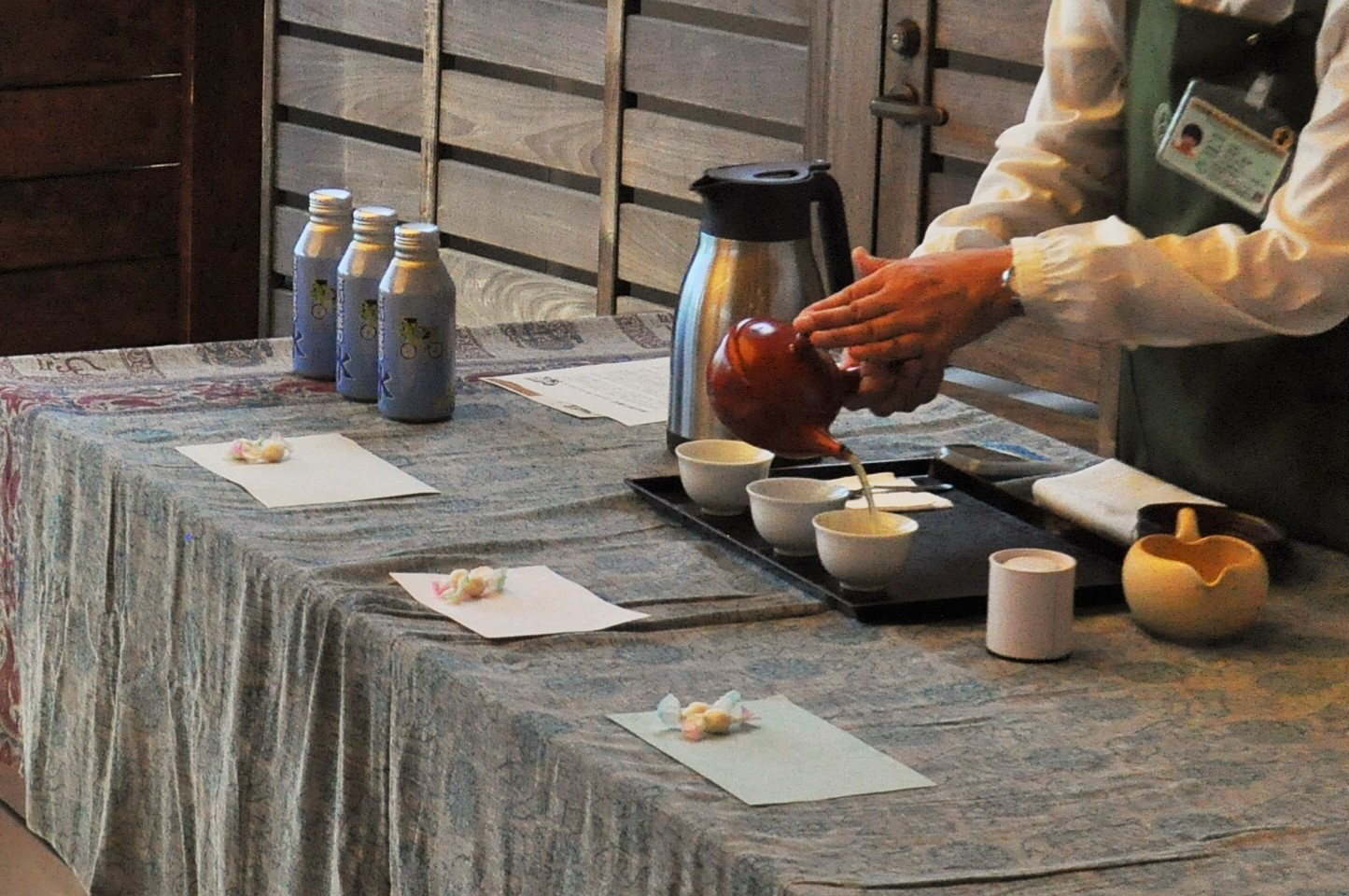 Sencha (green tea) service